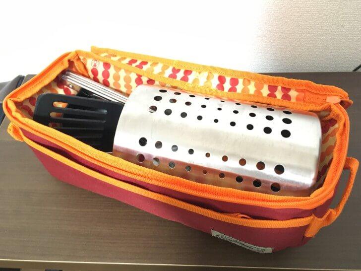 調理器具立てを入れたクッキングツールケース