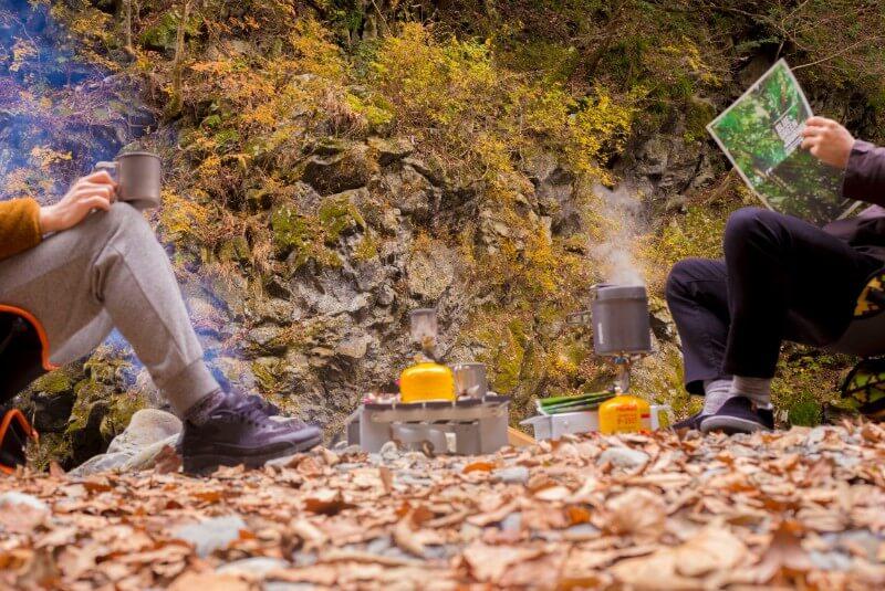 秋のキャンプ風景