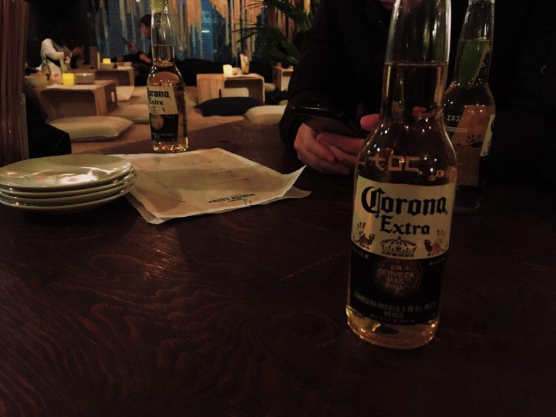 CORONA WINTER SAUNA SHIMOKITAZAWAのロンヴァクアンでビール