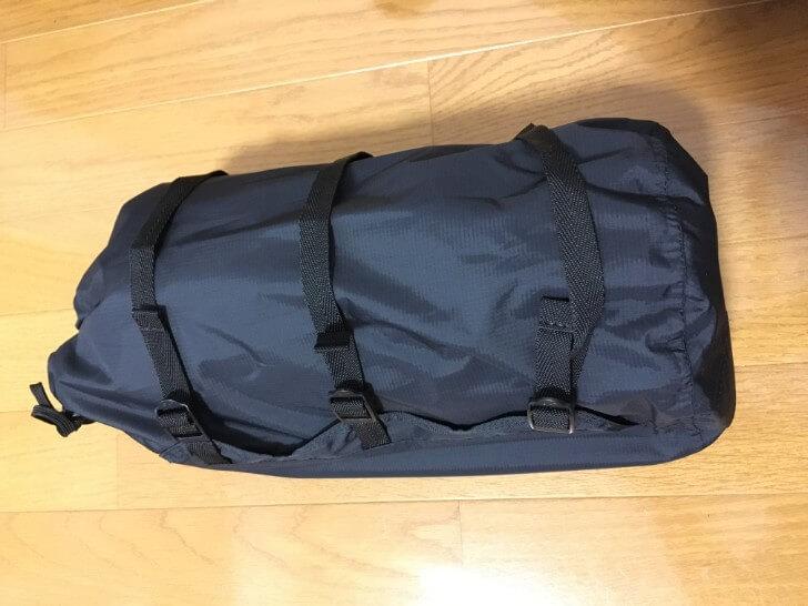 オクトス コンプレッションバッグにテントを入れた状態