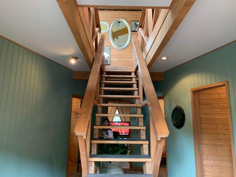 BESSの家の階段