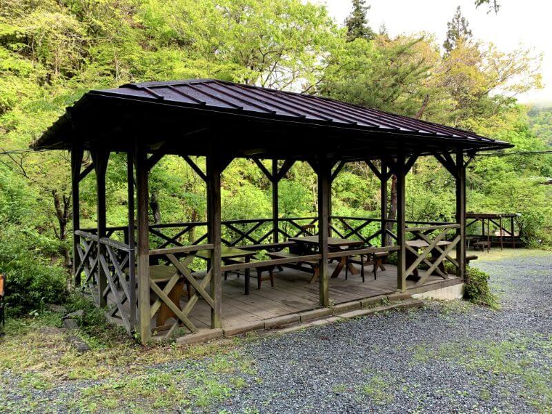 このまさわ渓流園の炊事場(バーベキュースペース)