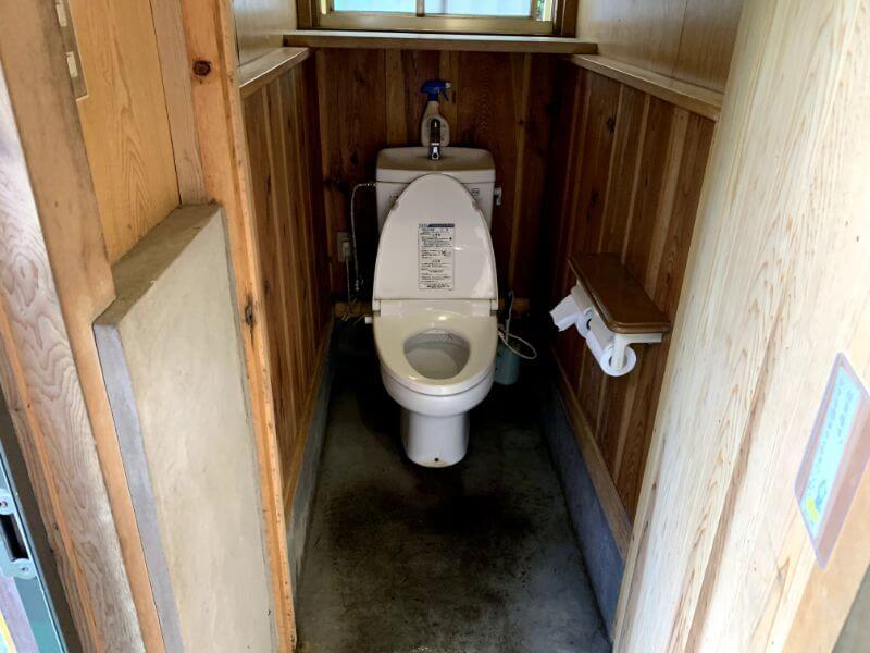 このまさわ渓流園のトイレ(水洗)